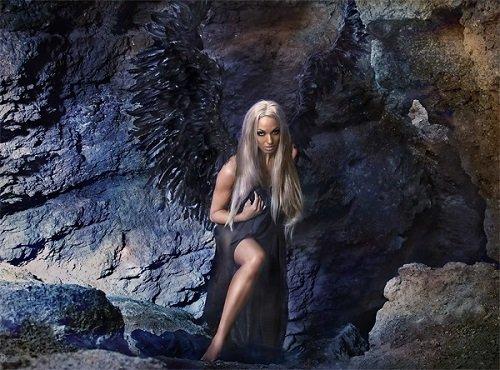 Victoria Vives Khuong - Black Angel