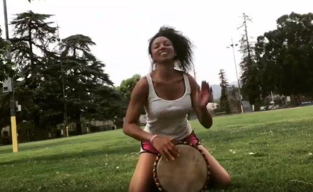 Victoria Vives Drumming