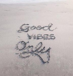 Victoria Vives - Good Vibes