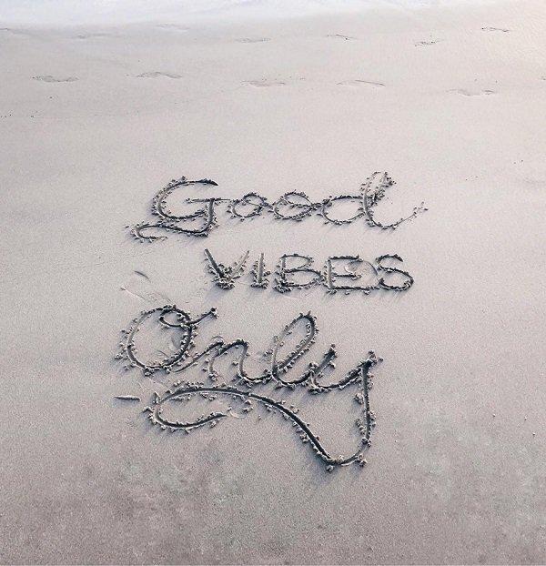 Victoria Vives Good Vibes