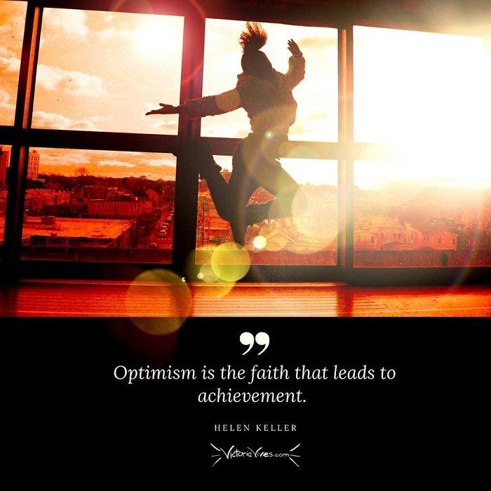 Victoria Vives - Optimism