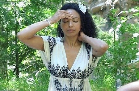 Victoria Vives - Meditation and Reiki