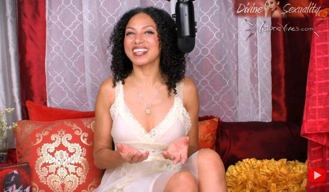 Victoria Vives Khuong Gems Moon Ritual